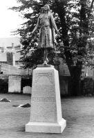statue-pocahontas-1958.jpg