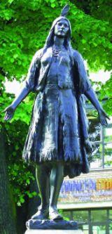 pocahontas-statue.jpg